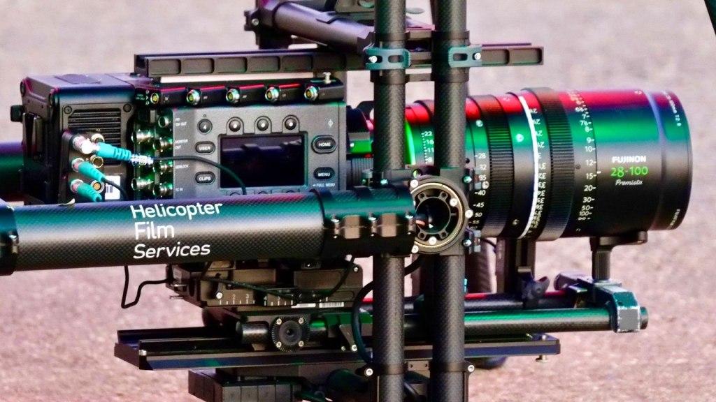 Drone HFS Titan Ultra Heavy Lift avec le cardan MoviXL.  Image - aérien, dp, Jeremy Braben, Assoc.  BSC, Hélicoptère Film Services