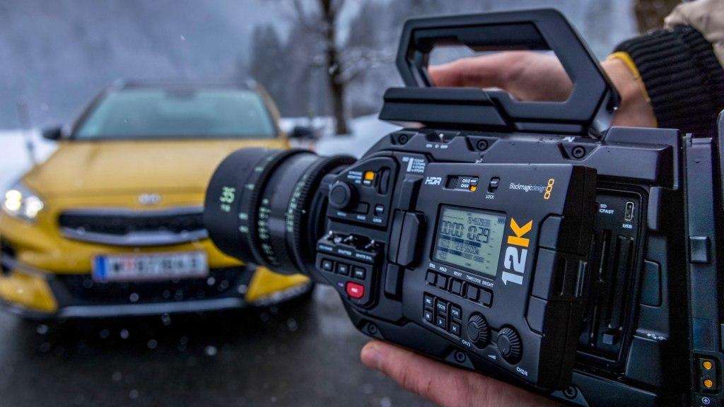 L'Ursa 12 K Prise de vue dans la neige moins 12 degrés Celsius