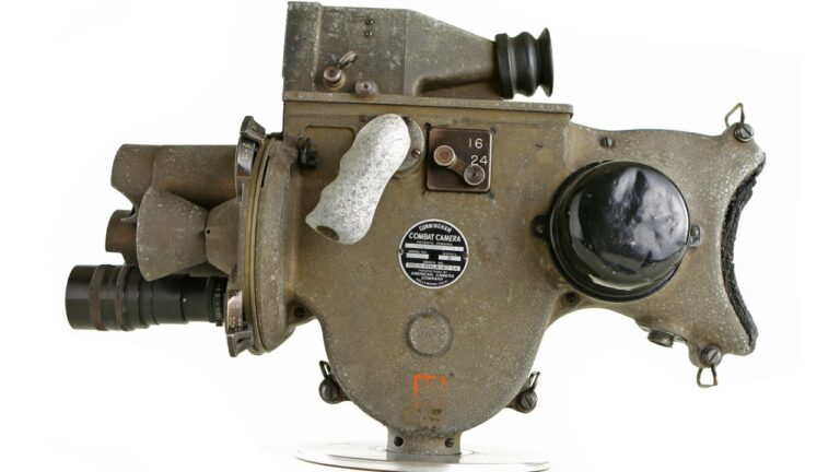 Découvrez la caméra de combat Cunningham modèle C: cinématographe de la Seconde Guerre mondiale