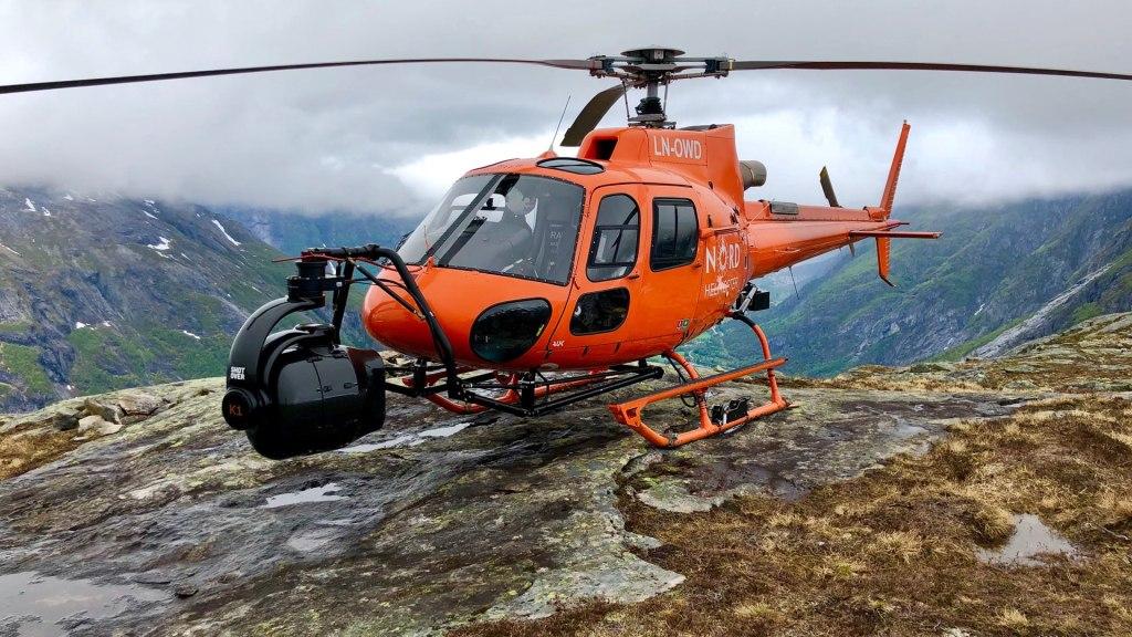 HFS BW Norway Heli K1 Sommet de montagne.  Image - aérien, dp, Jeremy Braben, Assoc.  BSC, Hélicoptère Film Services